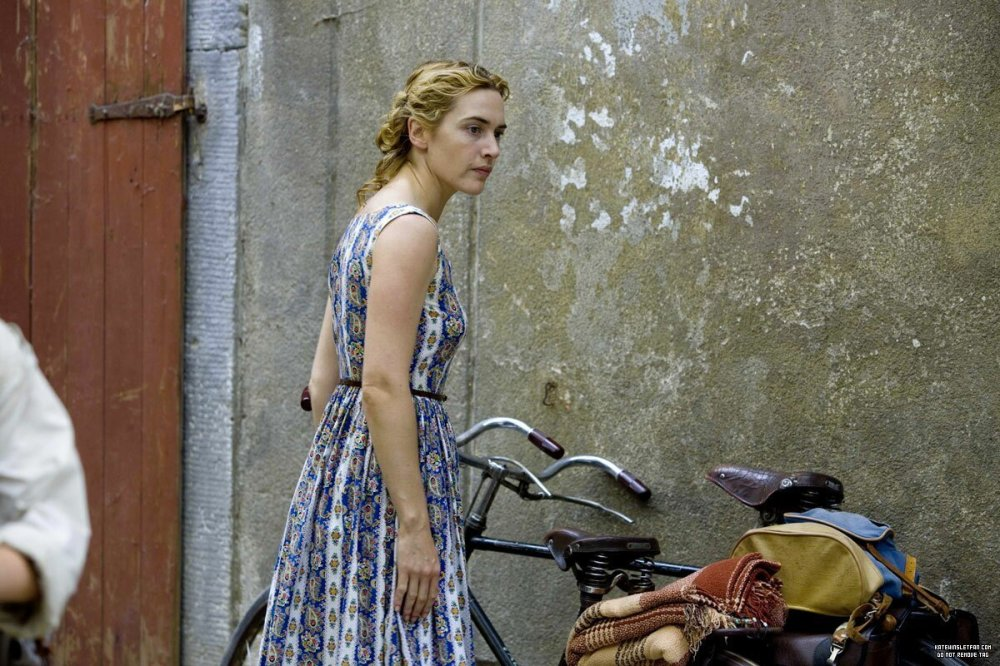 The-Reader-Promotional-Stills-kate-winslet-5896934-1200-800